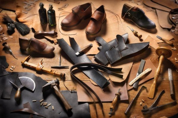 Forum on this topic: 3 Must Have Shoe Types For Work , 3-must-have-shoe-types-for-work/